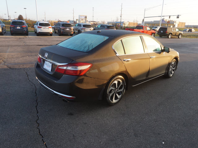Pre-Owned 2017 Honda Accord EX-L