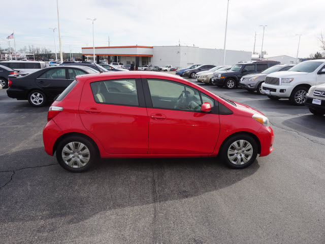 Pre-Owned 2014 Toyota Yaris LE